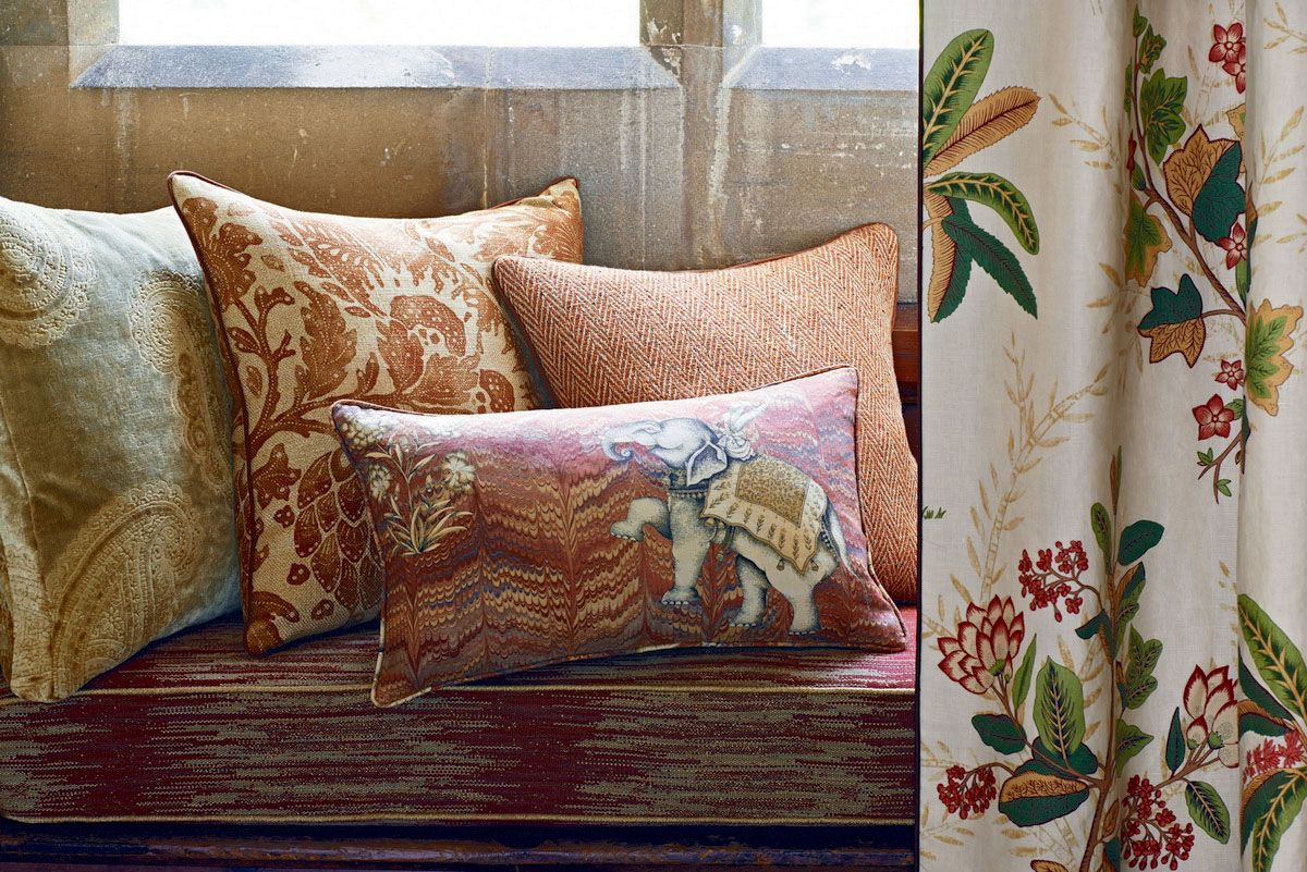 Perdele si tapet Zoffany - Jaipur FB Cushion Group Red