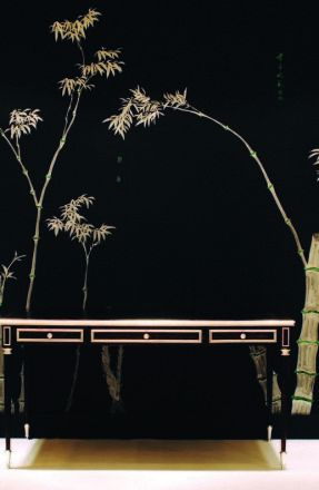 Perdele si tapet De Gournay – Bamboo design on black painted silk