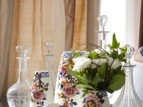 Gien kitchen accessories – Vase bulbe Pivoines