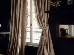 Curtains and wallpaper Houles – Galliera ambiance
