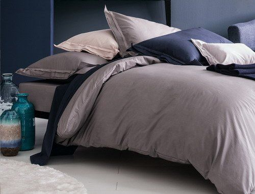 Nina Ricci point du jour bed linen